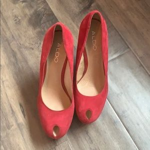 Also size 37 red suede platform shoes.